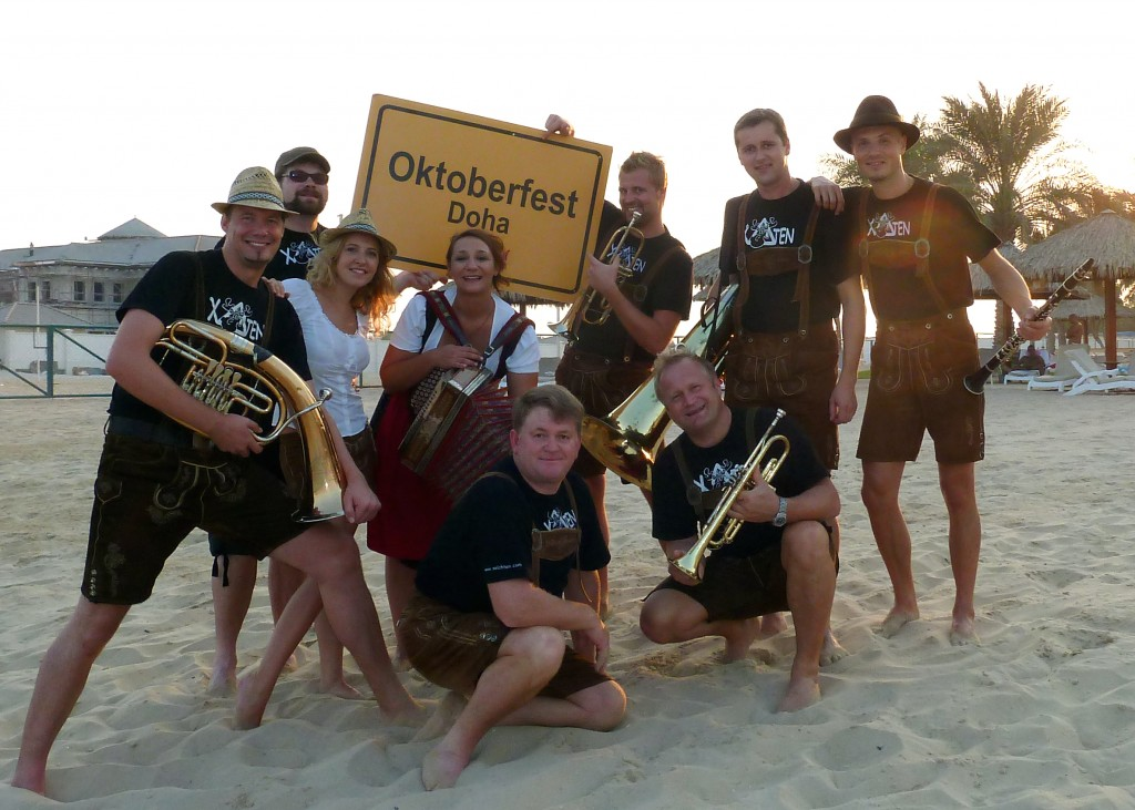 Xelchten am Oktoberfest am Strand in Doha (Katar) 2009-2012