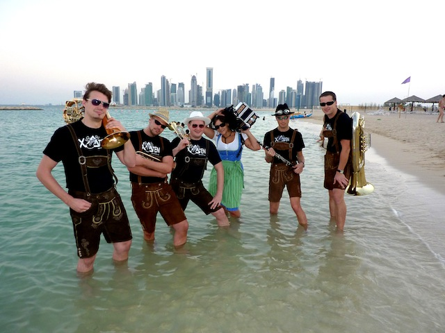 Xelchten am Strand in Doha (Katar) 2009-2012