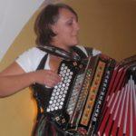 Volksmusik der X'elch'ten auf Hochzeiten